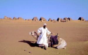 sudan155m_Meroe_piramidi[1]