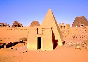 sudan34M_Meroe_necropoli[1]
