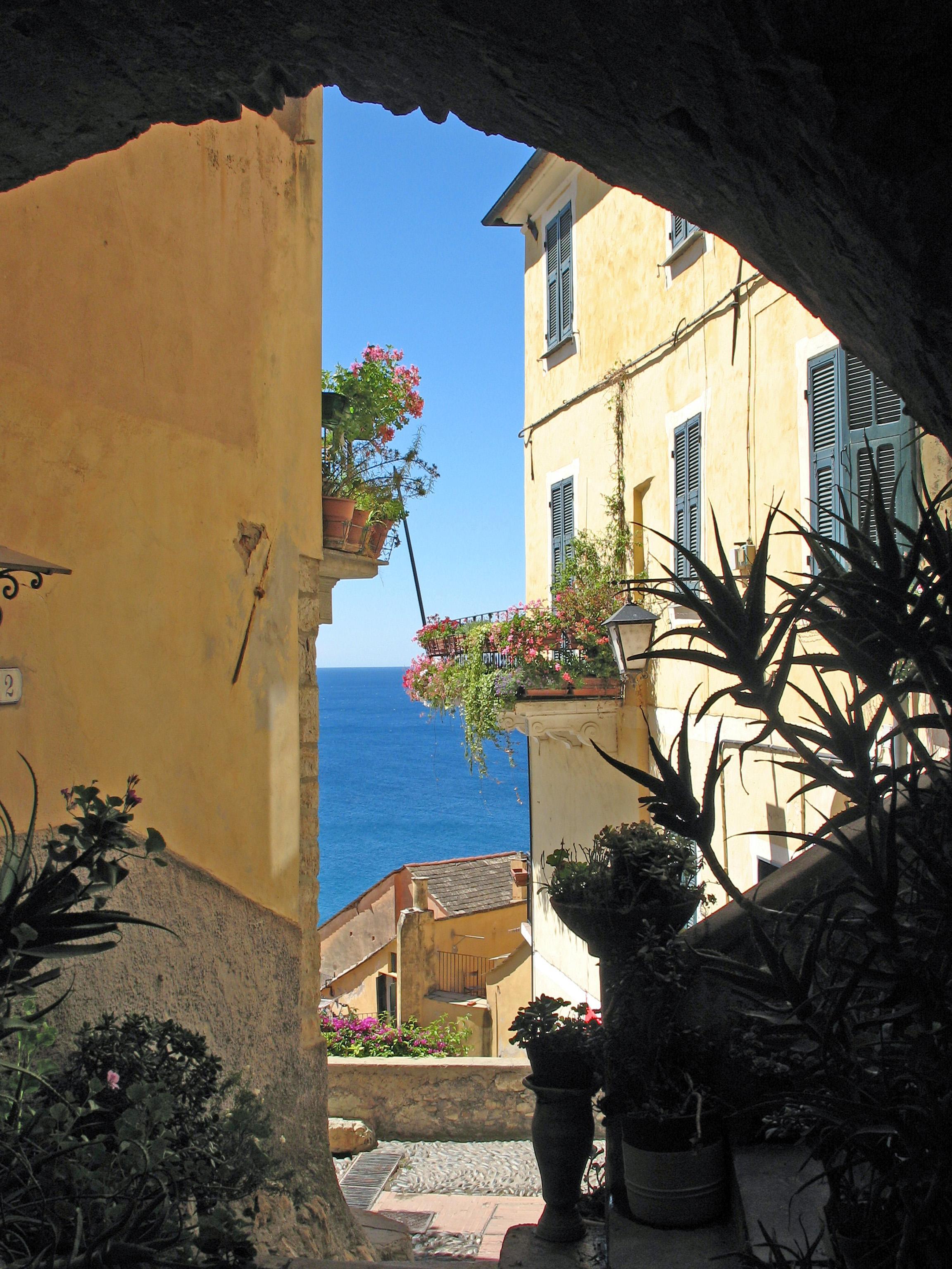 Liguria viaggilife for Borghi liguria ponente