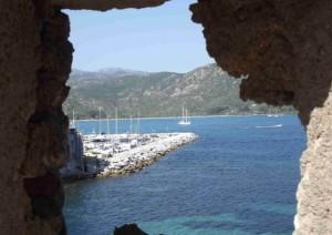 Corsica, uno scorcio sul mare