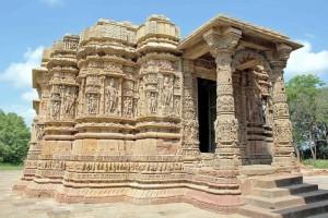 Nel Guyarat tutto è lavorato, anche i monumenti
