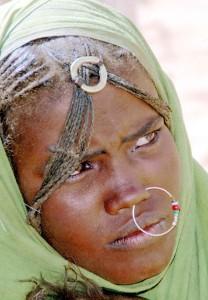 Ragazza beja in Sudan