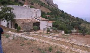 I muretti a secco del Santuario della Madonna dei Furi