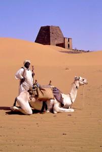Sudan, una piramide sullo sfondo