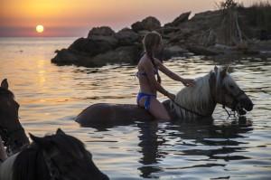 Capo Rizzuto, equitazione in riva al mare