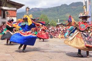 Bhutan, bellissimi balli colorati