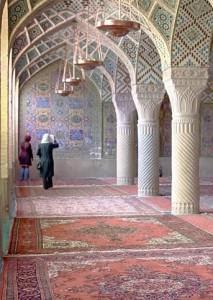 Ira, Schivaz, moschea