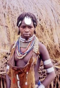 Corno d'Africa, donna Hammer nella Valle dell'Omo