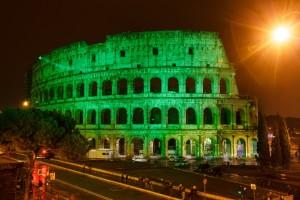 Il Colosseo a Roma il 17 marzo si illumina di verde