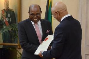Edmund Bartlett, ministro per il turismo in Jamaica