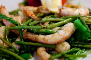 un delizioso piatto di asparagi