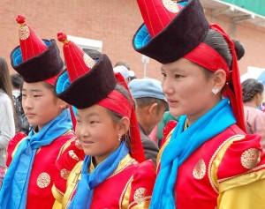 Mongoli,a ragazze alla festa di Nadaam