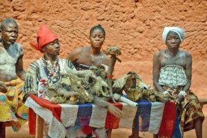 Togo, venditrici di feticci