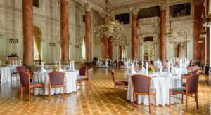 Slovenia, il salone del Grand Hotel termale