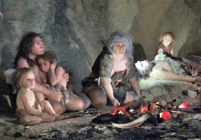 Croazia, regione di Zagorje, l'uomo di Neanderthal nel museo della preistoria
