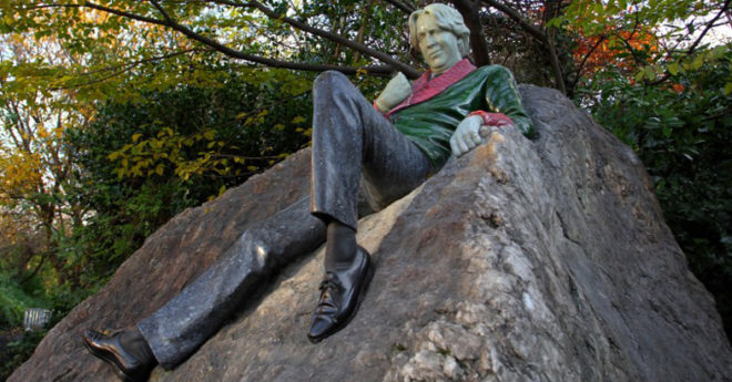 Dublin-Statues-Oscar-Wilde